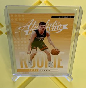 2019-20 ABSOLUTE TYLER HERRO ROOKIE BASKETBALL CARD for Sale in Eugene, OR