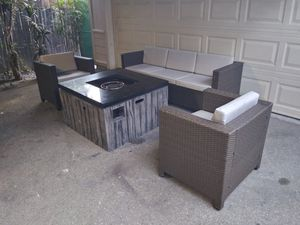 Outdoor patio furniture set for Sale in Santa Clarita, CA