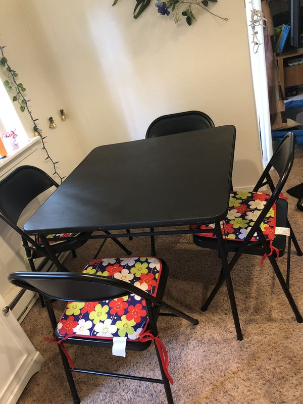 Dining table and chairs foldable