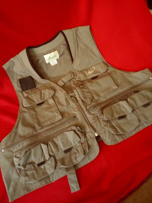 Ausable 19 pocket fishing vest size L unused like new for Sale in Mesa, AZ