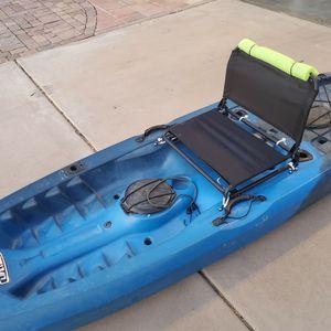 10ft Lifetime Tamarak Fisherman Kayak for Sale in Phoenix, AZ