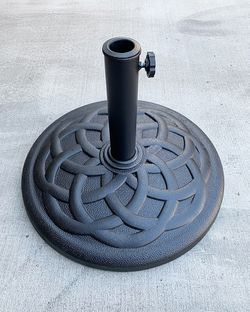 """New in box $30 Patio 19"""" Round Umbrella Stand Resin Base Outdoor (Weight 31 lbs) for 1.5"""" Pole for Sale in El Monte,  CA"""
