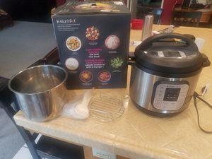 Instant pot-8 qt.-- 7 in 1 pressure cooker for Sale in Orange, CA