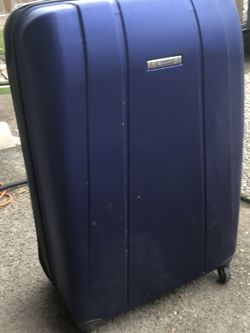 Hard case luggage spinner for Sale in Pasadena,  TX
