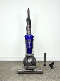 Dyson Ball DC-41 Animal Vacuum Cleaner w/ attachments for Sale in Lemon Grove,  CA