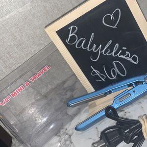 Mini Hair Straightner for Sale in Aransas Pass, TX