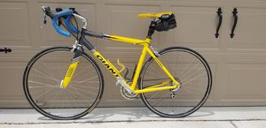 Medium sized Road bike - Giant TCR2 for Sale in Cedar Park, TX