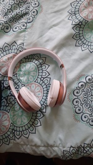 WIRELESS SOLO 3 BEATS for Sale in Baltimore, MD