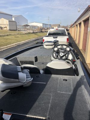 Tracker pro 195 for Sale in Saint Charles, MO
