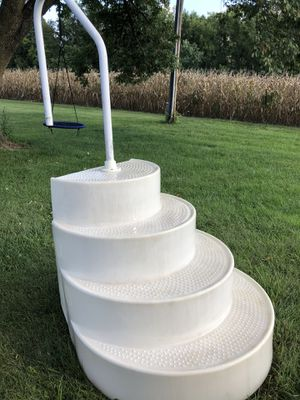 Wedding cake pool steps for Sale in Dupo, IL