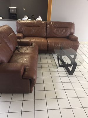Nice leather couch set for Sale in Columbus, OH