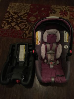 EXCELLENT CONDITION INFANT CARSEAT and BASE for Sale in Houston, TX