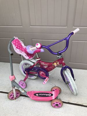 """12"""" Princess Bike (Free Scooter) for Sale in Tomball, TX"""