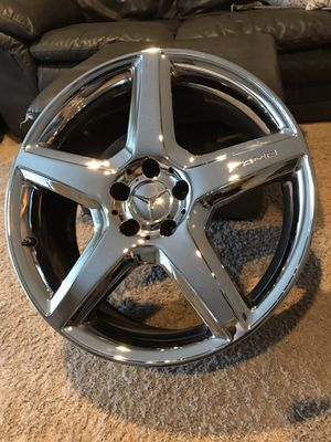 22inch Mercedes AMG chrome rim for Sale in Renton, WA
