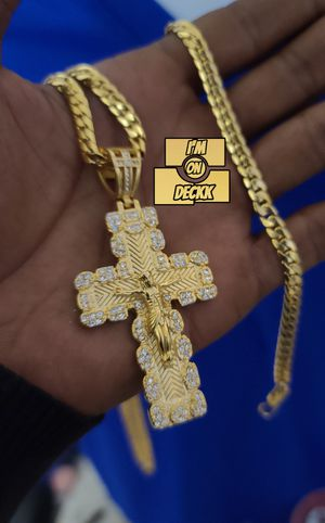 20,24 & 28inch 🚨🚨🚨 14k Gold plated Franco Chain and bracelet set🚨🚨🚨 I Deliver for Sale in Miami, FL