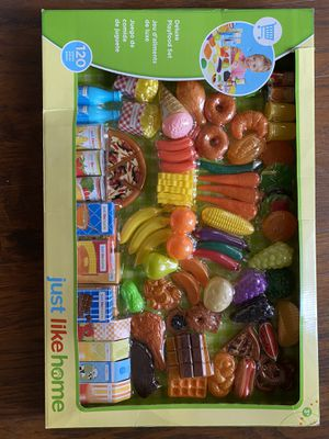 Kid deluxe play food set -120 pieces for Sale in Chandler, AZ