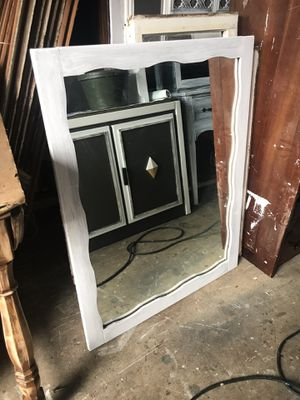 Wood framed mirror for Sale in Vancouver, WA