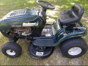 """REAL NICE, BOLENS BY MTD 15.5HP. 38"""" LAWN TRACTOR for Sale in Bally, PA"""