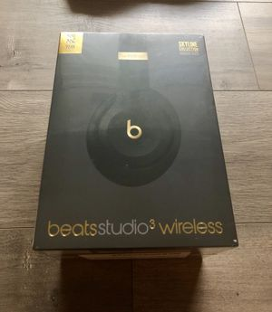 *BRAND NEW* Beats Studio3 Wireless Headphones – The Beats Skyline Collection - Midnight Black for Sale in Laurel, MD