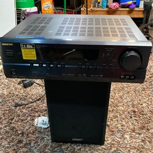 ONKYO Surround Amp With Speakers for Sale in Petaluma, CA