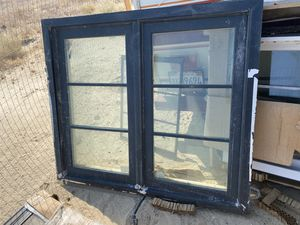 Windows. Different sizes all same brand, and color. 10 available. for Sale in San Fernando, CA