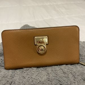 Like New Authentic Michael Kors Wallet for Sale in Lakewood, CA