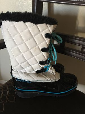Girls Boots - Size 2 for Sale in Caldwell, ID
