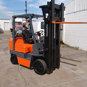 "FORKLIFT ""TOYOTA"" MODEL 5 5000-LB (3) STGS W/SIDE-SHIFT!!! $3,890!!! WHOLESALE RUNS EXCELLENT $3,890!!!! HURRY for Sale in Cerritos, CA"