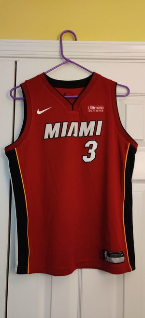 Dwayne Wade jersey sz youth large for Sale in North Springfield, VA