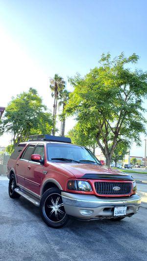 2002 Ford Expedition Eddie Bauer 5.4 v8 triton for Sale in El Monte, CA