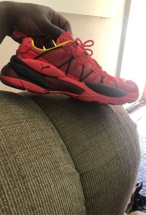 Pumas size 9 for Sale in Detroit, MI