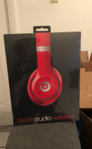 Beats studio brand new for Sale in Miami, FL