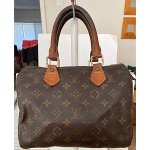 Authentic Louis Vuitton Monogram Speedy 25 Shoulder Bag for Sale in West Covina, CA
