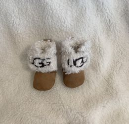 1c Ugg Booties for Sale in Philadelphia,  PA