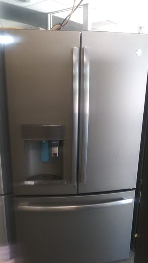 Stainless GE french door with keurig dispenser for Sale in Belleville, IL