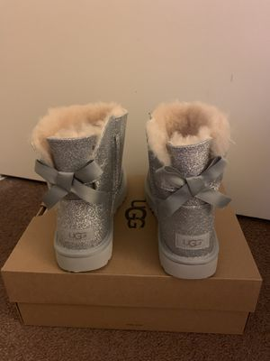 100% Authentic Brand New in Box UGG Mini Bailey Bow Sparkle Black Boots / Women size 9 / Color: silver for Sale in Walnut Creek, CA
