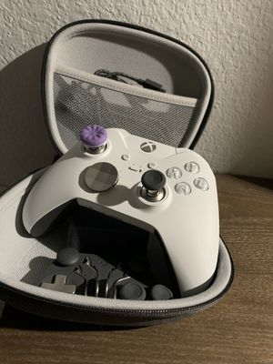 Xbox one elite controller white for Sale in Carrollton, TX
