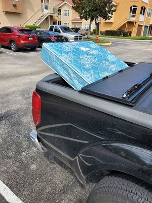 Free Twin Mattress for Sale in Orlando, FL
