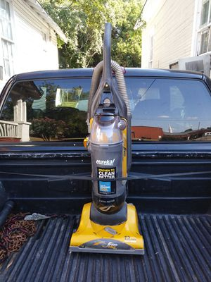 EUREKA AIR SPEED GOLD WITH AIR SPEED TECHNOLOGY WITH EDGE CLEANING 12 AMPS MAX POWER IN GREAT CONDITION for Sale in Wetumpka, AL