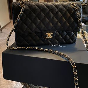 Chanel Classic Hand Bag for Sale in Boston, MA