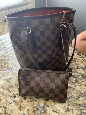Louis Vuitton Damier Ebene Marais Bucket Bag for Sale in Morton Grove, IL