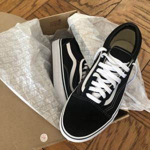 Vans Old Skool (Blk/Wht), Size 9.5 for Sale in New York, NY