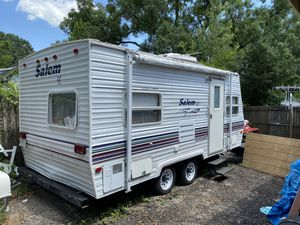 19ft camper by forest hills for Sale in Tampa, FL