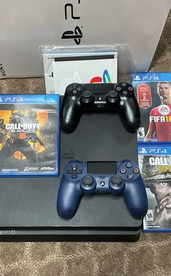 PS4 Slim 1TB (2 Controllers & 3 Games) for Sale in Dearborn,  MI