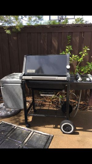 Weber Barbecue gas grill BBQ for Sale in San Marcos, CA