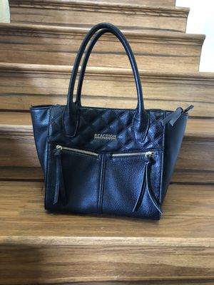 Kennet cole and handbag tote bag women's new condition for Sale in Las Vegas, NV