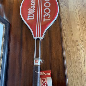 Vintage Wilson T3000 Tennis Racket for Sale in Everett, WA