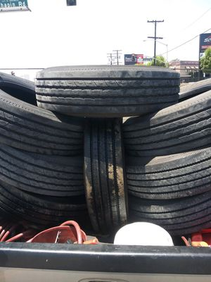 Trailer tires 295-75-22.5 4 are gladiator and the other 2 hunter brand for Sale in Los Angeles, CA