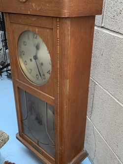 Vintage 1962 Vintage Wall Clock With Pendulum And Chimes for Sale in Redondo Beach,  CA