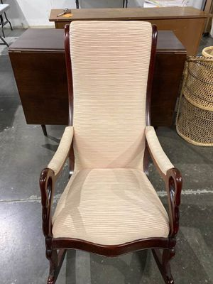 Beautiful Mid Century Swan Arm Rocking Chair for Sale in Lakewood, CO